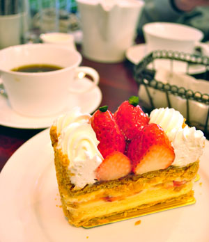 宇治駅前のパティスリー山川で食べたケーキのお味は?