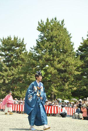葵祭 歩く人