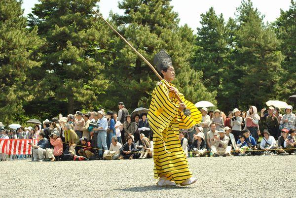 葵祭 黄色い衣装