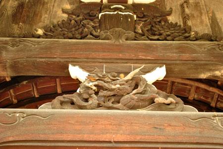 三室戸寺 龍の彫刻