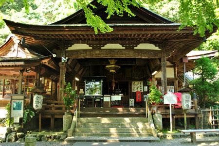 岩間寺 本堂