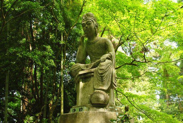 百済寺 弥勒半跏石像
