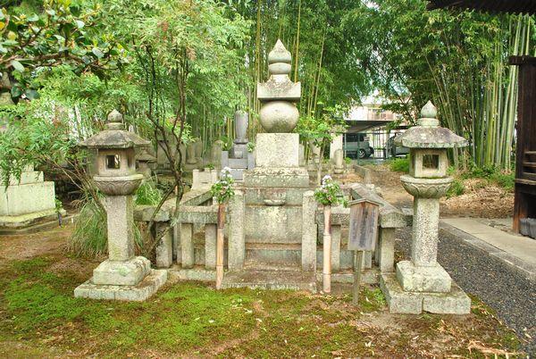 聖衆来迎寺 森可成の墓