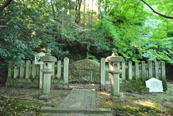 森羅三郎の墓