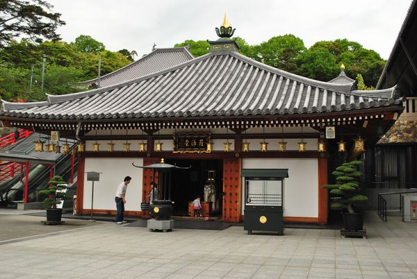 中山寺 五百羅漢堂