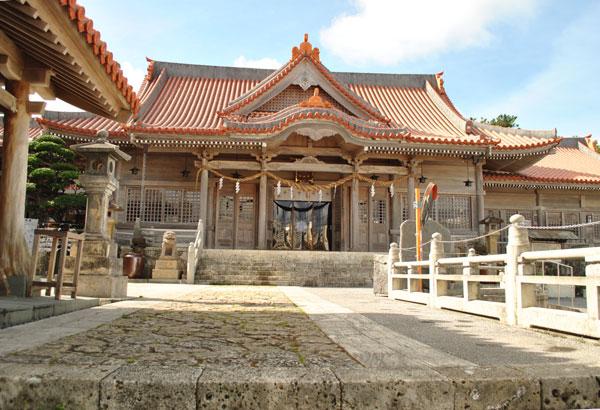 普天満宮 拝殿