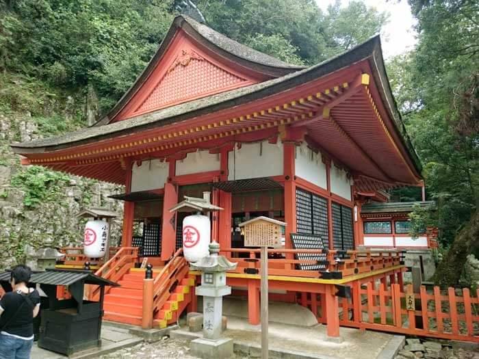 厳魂神社 社殿
