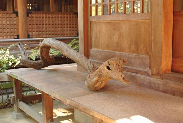 田村神社 流木