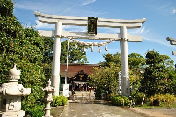 田村神社 鳥居 本殿