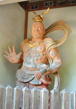 花山院菩提寺 仁王像
