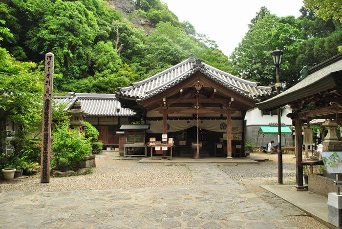 宝山寺 奥の院