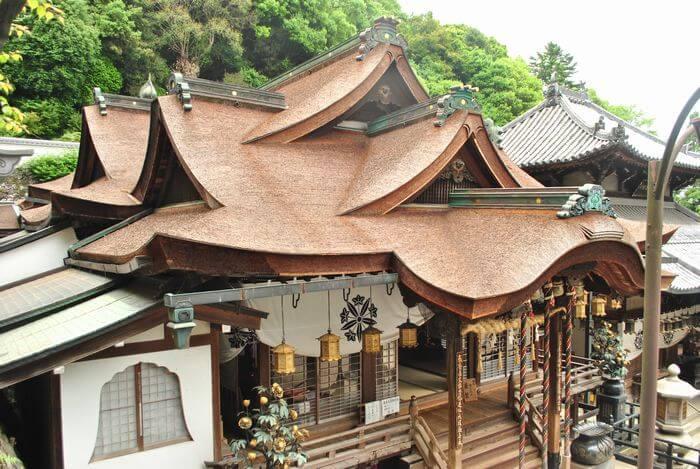 宝山寺 聖天堂拝殿