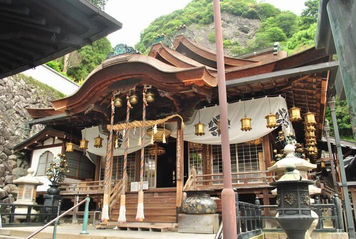 宝山寺 聖天堂