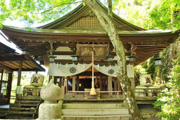 太郎坊宮 拝殿