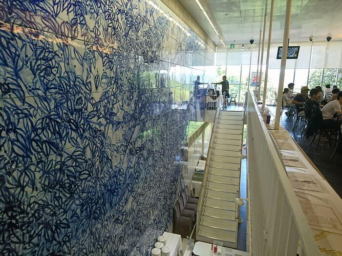 神椿 白磁の壁画