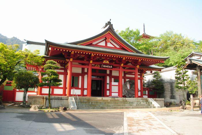 厳島神社 宝物館